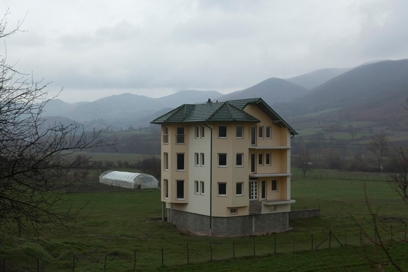 http://lux-fotografie.de/files/gimgs/th-10_007_Kosovo-6130.jpg