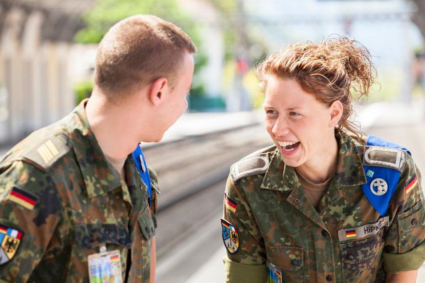 http://lux-fotografie.de/files/gimgs/th-8_02_Soldatenwallfahrt_Lourdes-9647.jpg