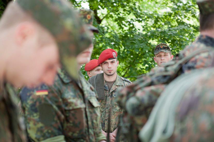 http://lux-fotografie.de/files/gimgs/th-8_11_Soldatenwallfahrt_Lourdes-0376.jpg